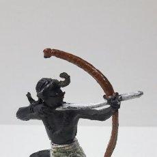 Figuras de Goma y PVC: GUERRERO AFRICANO CON ARCO . REALIZADO POR GAMA . SERIE GRANDE . ORIGINAL AÑOS 50 EN GOMA. Lote 265752984