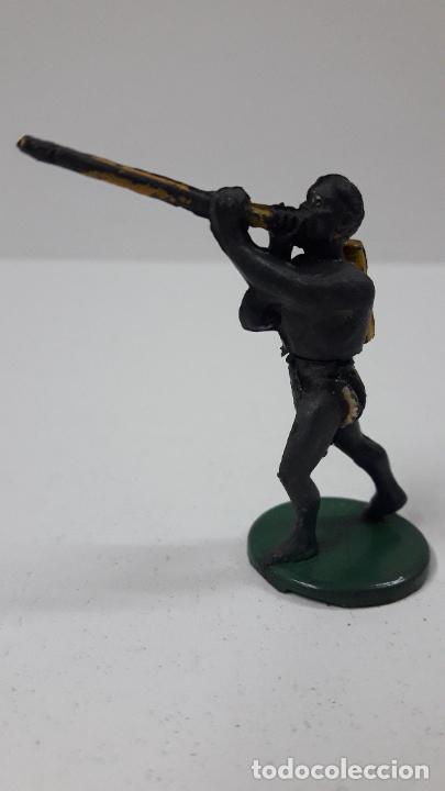 Figuras de Goma y PVC: GUERRERO AFRICANO PIGMEO . REALIZADO POR GAMA . SERIE PIGMEOS . ORIGINAL AÑOS 50 EN GOMA - Foto 3 - 265760924