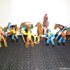 Figuras de Goma y PVC: ANTIGUAS FIGURAS INDIOS VAQUEROS SOLDADOS NORDISTAS Y CABALLOS DE COMANSI. Lote 265962323