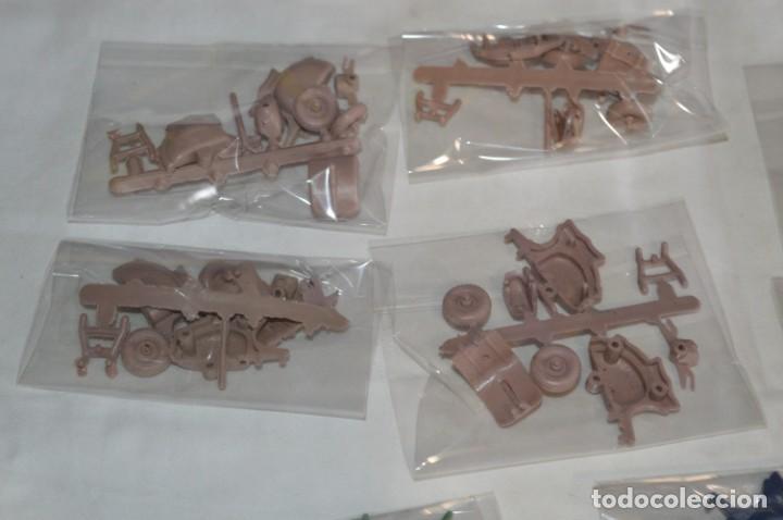 Figuras de Goma y PVC: Lote piezas / Para montar 10 motocicletas VESPAS - Piezas/Accesorios MONTAPLEX - ¡Mira! LOTE 04 - Foto 2 - 266586368