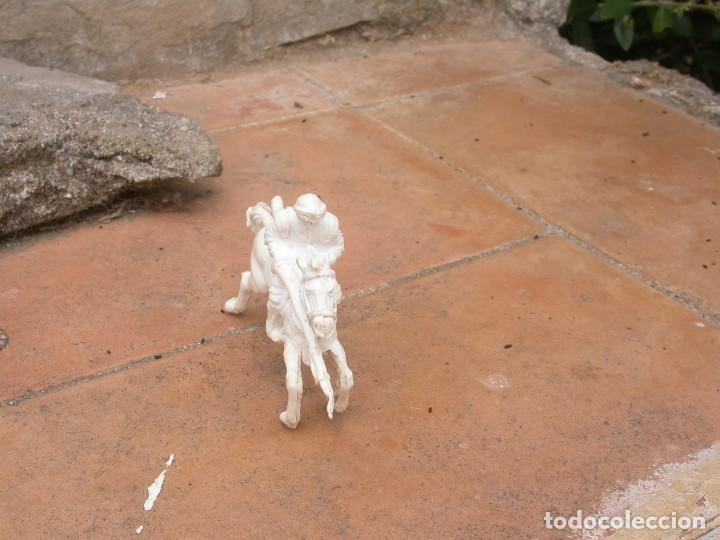 Figuras de Goma y PVC: FIGURA CABALLERO BLANCO DE AJAX - Foto 3 - 53721386