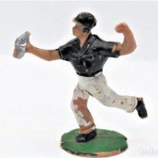 Figuras de Goma y PVC: ANTIGUA FIGURA EN PLASTICO - AGUADOR - VUELTA CICLISTA AÑOS 60. SOTORRES. Lote 268805644