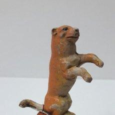 Figuras de Goma y PVC: LEONA DEL CIRCO SOBRE PEANA - TARIMA . REALIZADA POR JECSAN . SERIE CIRCO . ORIGINAL AÑOS 50. Lote 268817629