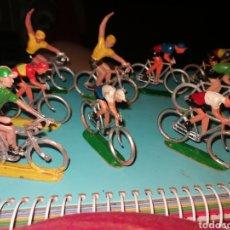 Figuras de Goma y PVC: 9 CICLISTAS SOTORRES. Lote 268862624