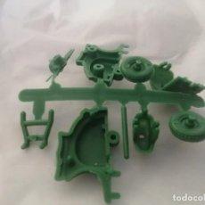 Figuras de Goma y PVC: MONTAPLEX VESPA. Lote 268947849