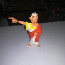 Figuras de Goma y PVC: JULIO CESAR FIGURA DE PVC AÑOS 80 COMICS SPAIN ASTERIX Y OBELIX. Lote 268949759