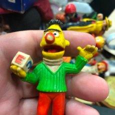 Figuras de Goma y PVC: ANTIGUO MUÑECO GOMA PVC - BLAS BARRIO SESAMO COMICS SPAIN - MEDIDA 7 CM. Lote 269134798