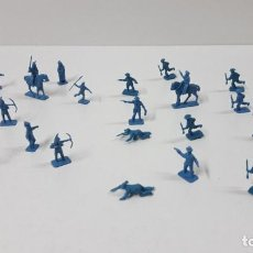 Figuras de Goma y PVC: LOTE DE SOLDADITOS MONTAPLEX . VAQUEROS - INDIOS . AÑOS 70 / 80. Lote 269153888