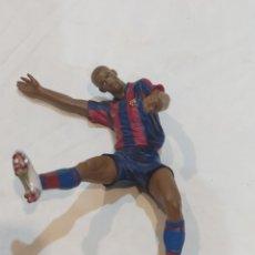 Figuras de Goma y PVC: ANTIGUO MUÑECO DE HENRY DEL FÚTBOL CLUB BARCELONA ARTICULADO. Lote 269238858