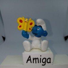 Figuras de Goma y PVC: PITUFO BEBE CON MARIPOSA AMARILLA - SCHLEICH. Lote 269383268