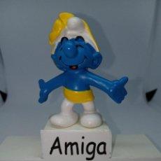 Figuras de Goma y PVC: PITUFO CON LAZO DE REGALO AMARILLO - SCHLEICH. Lote 269383413