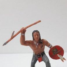 Figuras de Goma y PVC: GUERRERO INDIO . BATALLA DE LITTLE BIG HORN . FIGURA REAMSA . ORIGINAL AÑOS 60 . BASE INCOMPLETA. Lote 269610018