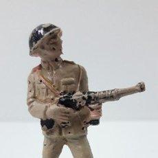 Figuras de Goma y PVC: SOLDADO RUSO . REALIZADO POR PECH . SERIE RUSOS . ORIGINAL AÑOS 60 . CON DEFECTOS. Lote 269770153