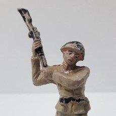 Figuras de Goma y PVC: SOLDADO RUSO . REALIZADO POR PECH . SERIE RUSOS . ORIGINAL AÑOS 60. Lote 269770288