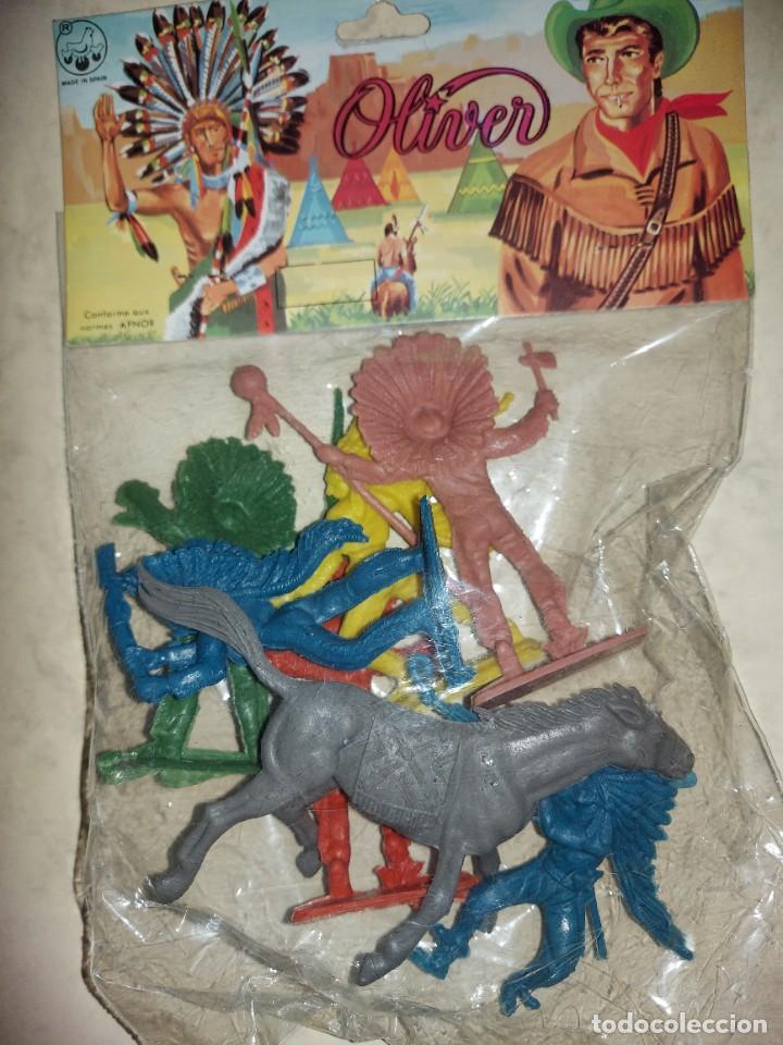 INDIOS EN BLISTER DE OLIVER- AÑOS 60-70 (Juguetes - Figuras de Goma y Pvc - Comansi y Novolinea)