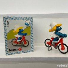 Figuras de Goma y PVC: SUPER PITUFOS - PITUFINA CON BICICLETA - PITUFO - SCHLEICH. Lote 269852288
