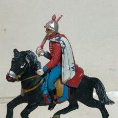 Figuras de Goma y PVC: OFICIAL A CABALLO - ESCOLTA DEL GENERALISIMO, CON CAPA - GOMA, TEIXIDO. Lote 271572558