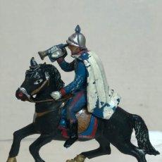 Figuras de Goma y PVC: TROMPETA A CABALLO - ESCOLTA DEL GENERALISIMO, CON CAPA - GOMA, TEIXIDO. Lote 271574683