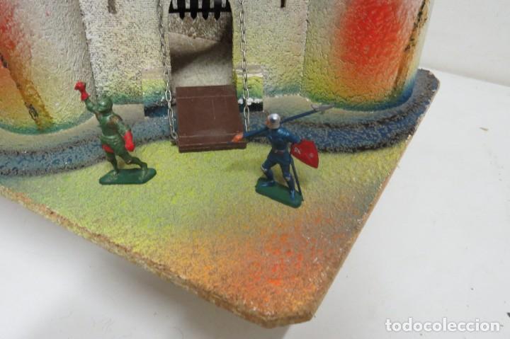 Figuras de Goma y PVC: CASTILLO MEDIEVAL - MARCA STARLUX - MADERA - FABRICADO EN FRANCIA - Foto 2 - 272252448