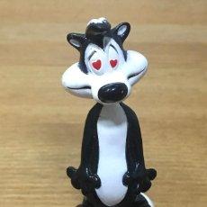 Figuras de Goma y PVC: FIGURA MOFETA PEPE EL ZORRILLO - AÑO 1994 WARNER BROS. Lote 272459718