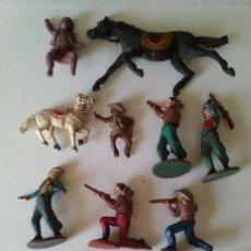 Figuras de Goma y PVC: LOTE DE VAQUEROS (COMBOIS) Y CABALLOS (2) - GAMA. Lote 273083728