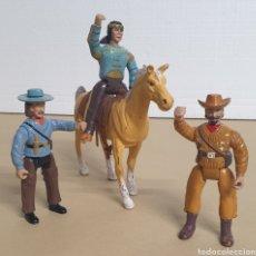 Figuras de Goma y PVC: LOTE DE 3 FIGURA ARTICULADA Y 1 CABALLO LEGENDS OF WILD WEST IMPERIAL TOY 1991. Lote 273428258