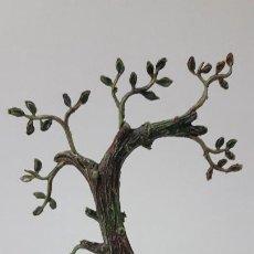 Figuras de Goma y PVC: ARBOL . REALIZADO POR PECH . ORIGINAL AÑOS 60 . ALTURA 16 CM. Lote 274837673