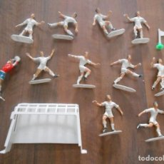 Figuras de Goma y PVC: LOTE 11 JUGADORES REAL MADRID COMANSI FUTBOL FOOTBALL PLAYERS. Lote 275092278
