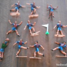 Figuras de Goma y PVC: LOTE 10 JUGADORES BARCELONA BARSA COMANSI FUTBOL FOOTBALL PLAYERS. Lote 275092413