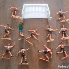 Figuras de Goma y PVC: LOTE 11 JUGADORES ATLETIC ATHLETIC BILBAO EUSKADI COMANSI FUTBOL FOOTBALL PLAYERS. Lote 275093848