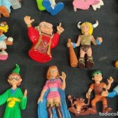 Figuras de Goma y PVC: 17 FIGURAS DE GOMA ORIGINALES - DRAGONES Y MAZMORRAS, LOS TROTAMUNDOS, SHOE DE JEFF MACNELLY, ETC.... Lote 275466173