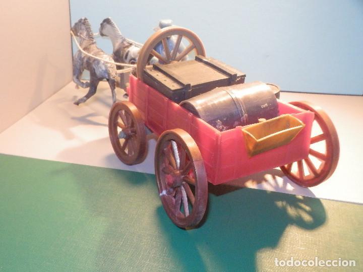 Figuras de Goma y PVC: Bonito Carro, Carromato ó carreta en plástico - Oeste - 2 Caballos - C/ accesorios muy completa - Foto 2 - 275479623