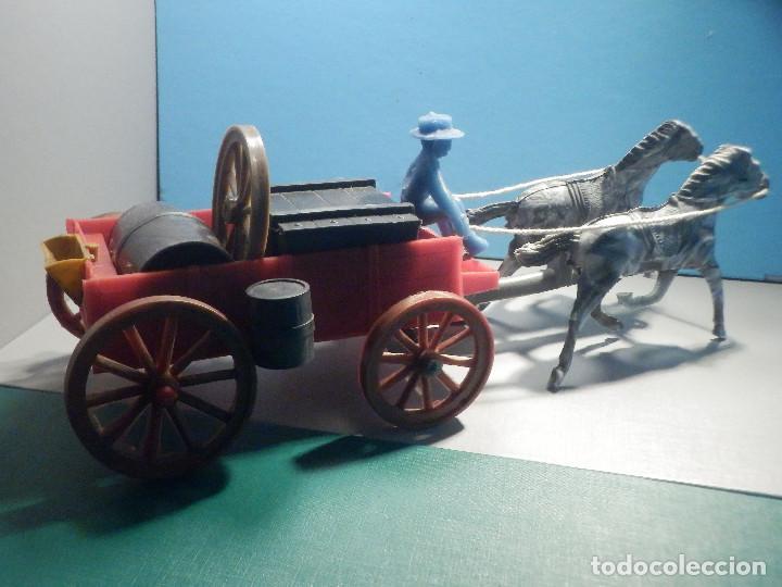 Figuras de Goma y PVC: Bonito Carro, Carromato ó carreta en plástico - Oeste - 2 Caballos - C/ accesorios muy completa - Foto 3 - 275479623
