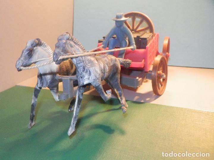 Figuras de Goma y PVC: Bonito Carro, Carromato ó carreta en plástico - Oeste - 2 Caballos - C/ accesorios muy completa - Foto 7 - 275479623