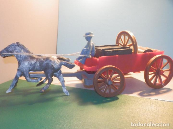 Figuras de Goma y PVC: Bonito Carro, Carromato ó carreta en plástico - Oeste - 2 Caballos - C/ accesorios muy completa - Foto 9 - 275479623