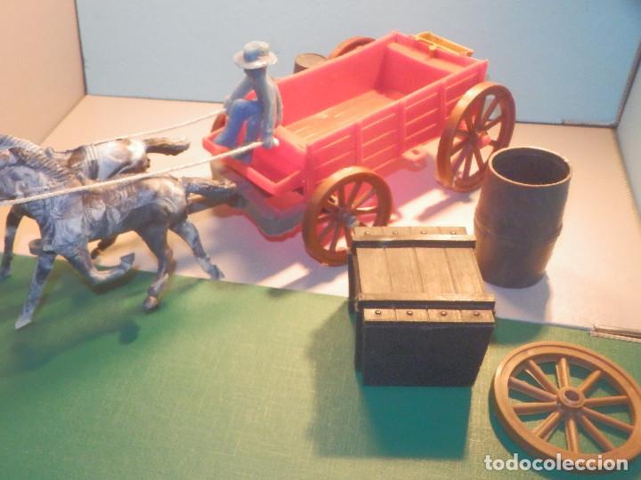 Figuras de Goma y PVC: Bonito Carro, Carromato ó carreta en plástico - Oeste - 2 Caballos - C/ accesorios muy completa - Foto 13 - 275479623