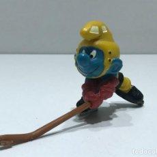 Figuras de Goma y PVC: PITUFO JUGADOR DE HOCKEY - MARCA BULLY PEYO - AÑOS 70/80. Lote 275579393