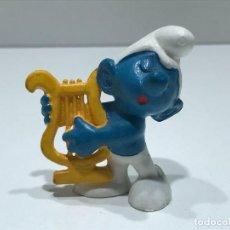 Figuras de Goma y PVC: PITUFO CON ARPA - MARCA BULLY PEYO - AÑOS 70/80. Lote 275581933
