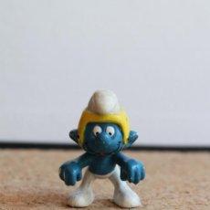 Figuras de Goma y PVC: MUÑECO DE GOMA. LOS PITUFOS. PITUFO DEPORTISTA. RUGBY.. Lote 275862283
