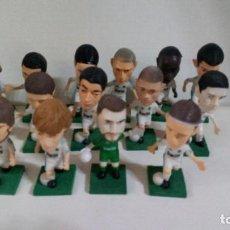 Figuras de Goma y PVC: COLECCION DE 15 FIGURAS DE PVC -JUGADORES R.MADRID-TEM.2010-2011. Lote 275950838