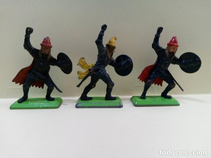 """Figuras de Goma y PVC: LOTE """" F """" DE CABALLEROS , CRUZADOS Y SARRACENOS .BRITAINS DEETAIL 1971 - Foto 4 - 276569938"""