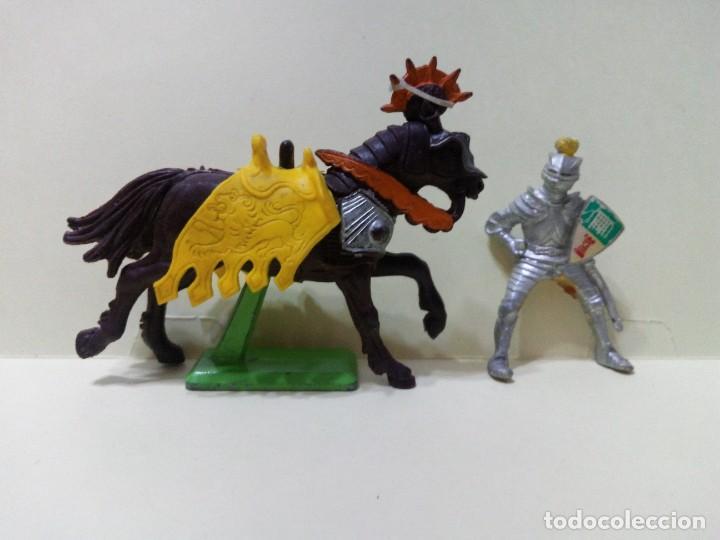 "Figuras de Goma y PVC: LOTE "" C "" DE CABALLO CON JINETE MEDIEVAL .BRITAINS DEETAIL 1971 - Foto 2 - 276571858"