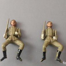 Figuras de Goma y PVC: LOTE 2 SOLDADOS GOMA DESFILE EJERCICIO ESPAÑOL TEIXIDO AÑOS 50. Lote 276692753