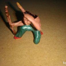 Figuras de Goma y PVC: GAMA FIGURA EN GOMA DE INDIO OESTE AÑOS 50- PINTURA ORIGINAL. Lote 276928468