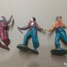 Figuras de Goma y PVC: GAMA FIGURA EN GOMA LOTE 3 VAQUEROS OESTE AÑOS 50- PINTURA ORIGINAL. Lote 276929408