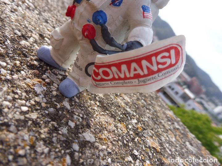 Figuras de Goma y PVC: Figura goma atrapa la bandera Mike astronauta, Comansi 4 cats pictures con etiqueta - Foto 2 - 276951243