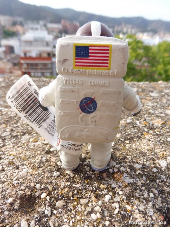 Figuras de Goma y PVC: Figura goma atrapa la bandera Mike astronauta, Comansi 4 cats pictures con etiqueta - Foto 4 - 276951243