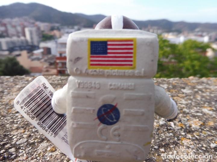 Figuras de Goma y PVC: Figura goma atrapa la bandera Mike astronauta, Comansi 4 cats pictures con etiqueta - Foto 5 - 276951243
