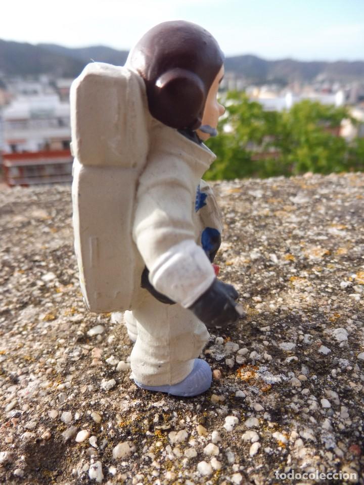 Figuras de Goma y PVC: Figura goma atrapa la bandera Mike astronauta, Comansi 4 cats pictures con etiqueta - Foto 6 - 276951243