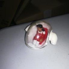 Figuras de Goma y PVC: ERASE UNA VEZ LA VIDA 1986 CAPSULA CON FIGURA DE PVC MADE IN SPAIN AÑOS 80. Lote 276959513